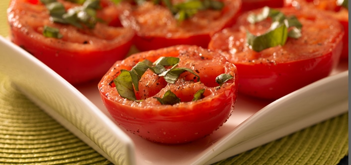 tomates con albahaca