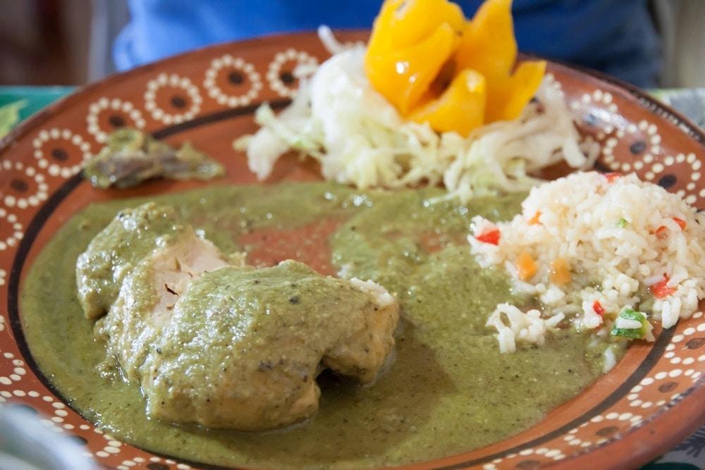 Mole de Pollo Mexicano Pollo en Mole Verde