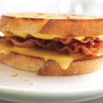 Receta de Grilled Cheese con Tocino