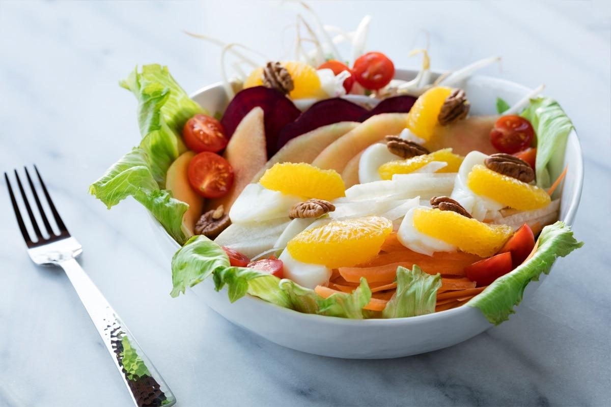 Resultado de imagen para ensaladas verdes con frutas