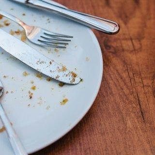 Cómo quitar los malos olores de tus utensilios de cocina