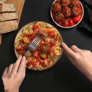 Tips para ahorrar cuando sales a comer a un restaurante