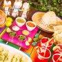 Cómo hacer rendir el dinero para una fiesta mexicana