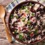 5 platillos populares con arroz y frijoles de América Latina