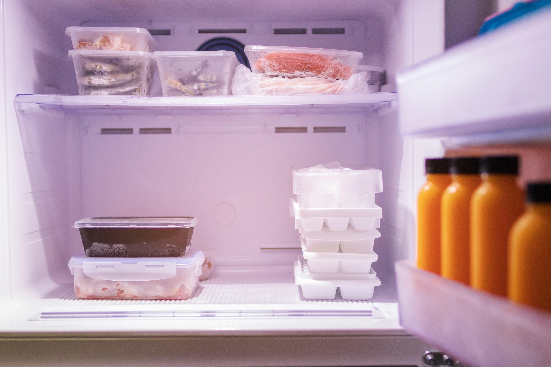 5 Formas Eficaces Para Quitar El Mal Olor En El Congelador