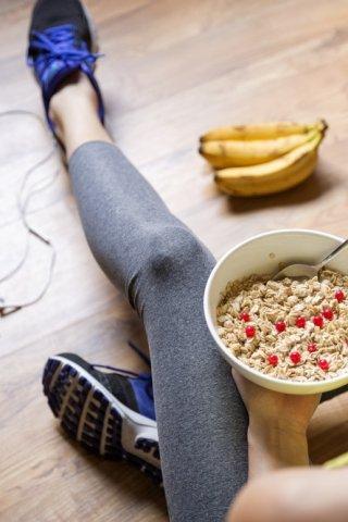 Los beneficios de la avena más allá de ayudarte a bajar de peso