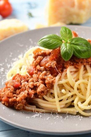Cómo se hace el espagueti a la boloñesa: ingredientes y receta italiana