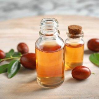 Los beneficios del aceite de jojoba en el cabello