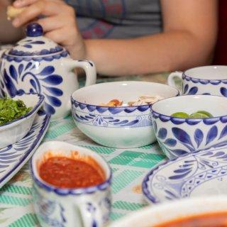 El amor al centro de la mesa: la importancia de una vajilla