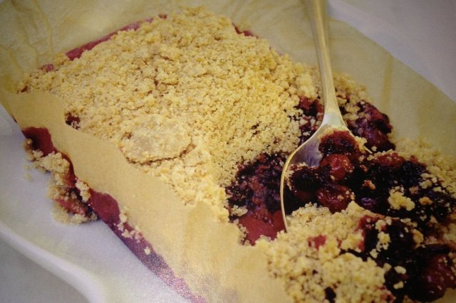 Crumble of red fruits