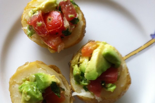 Stuffed Tomato and Avocado Chips