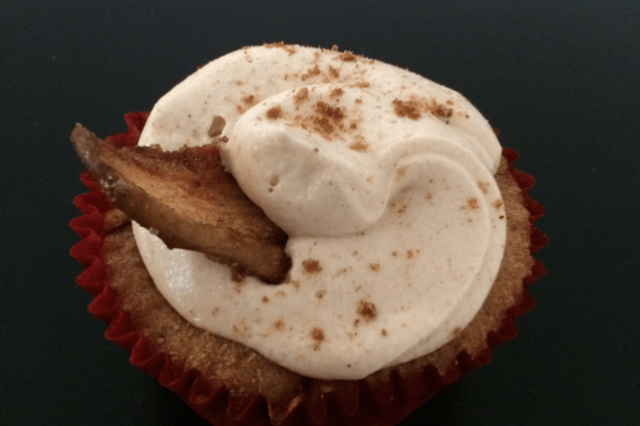 Apple Cupcakes with Cinnamon Super Easy and Fast