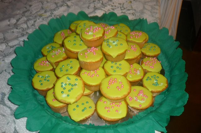Vanilla Cupcakes with Glass of Lemon