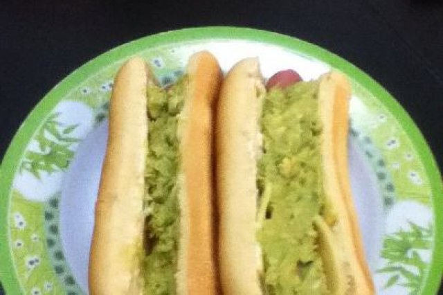 Hot Dog con Dip Guacamole