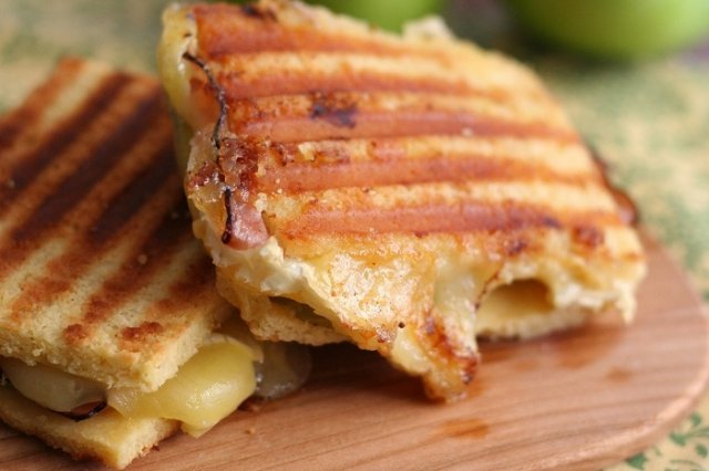 Manchego Cheese Panini and Apple