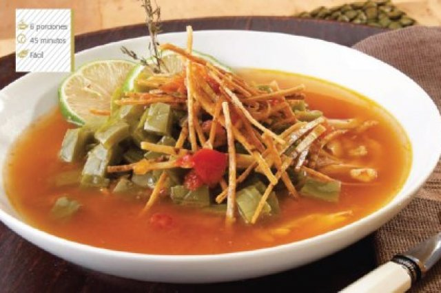 Sopa light de nopales