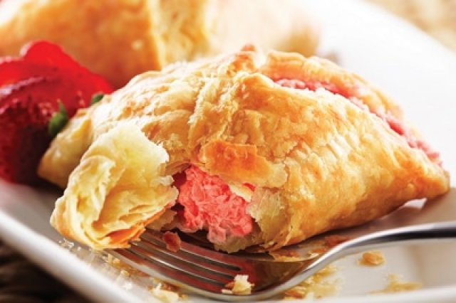 Strawberry Empanadas with Cream