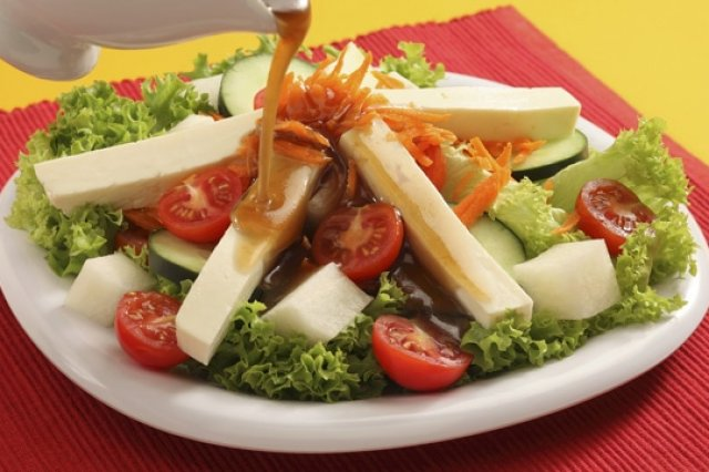 Salad with sweet and sour dressing