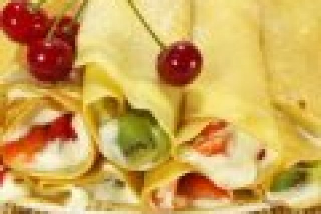 Crepes with Pudding and Fruits