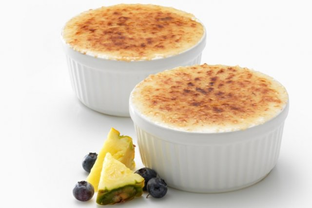 Crème Brûlée of Caramelized Pineapple FAGE with Blueberries