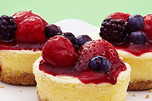 Greek Style Yoghurt Cheesecake with Forest Fruits Topping