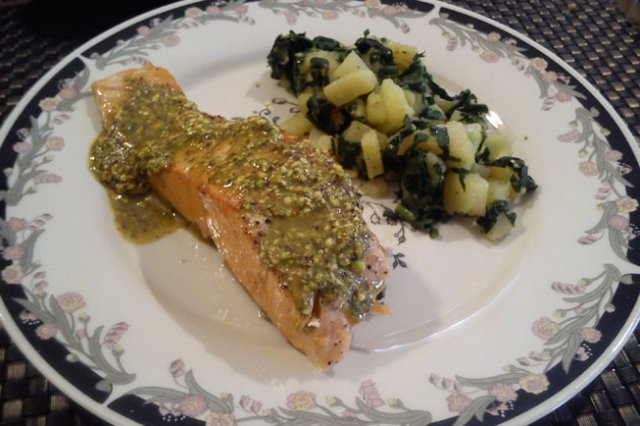 Salmon with Pistachio Pesto