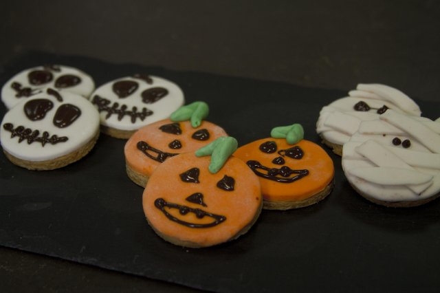 Pumpkin, Mummy and Skull Cookies