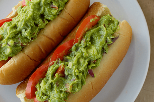 Hot Dog con Guacamole