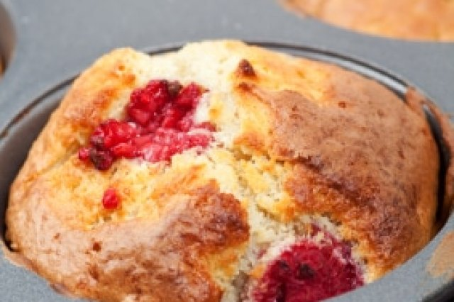 Raspberry Muffins with Sugar