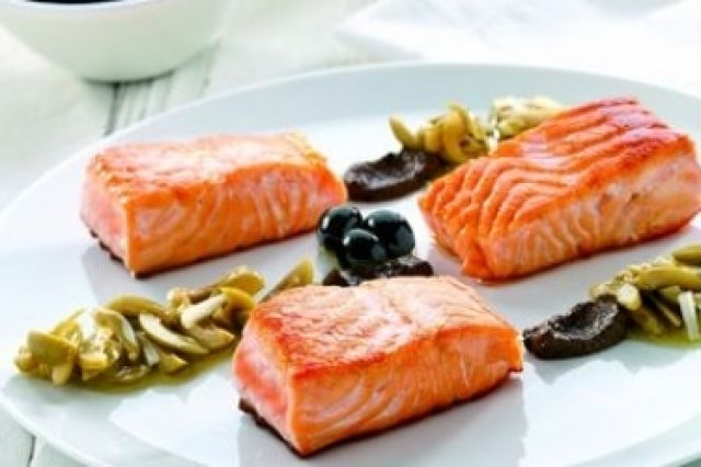 Salmon with Olives Dressing