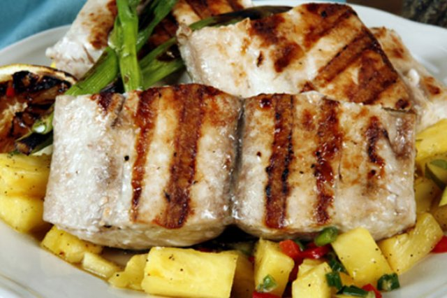 Grilled Fish with Mango