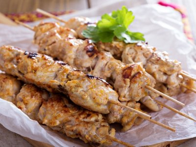 Kebabs de Pollo Marinadas en Yogurt