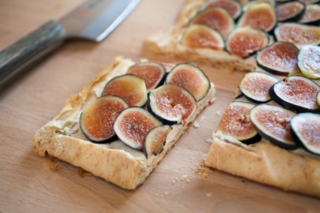 Figs Cake with Blue Cheese