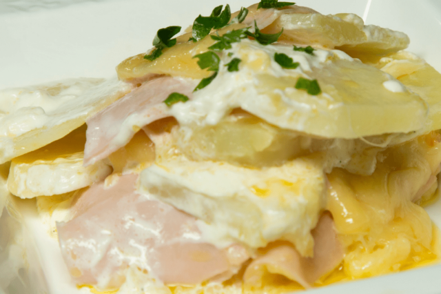 Potatoes Gratin with Ham