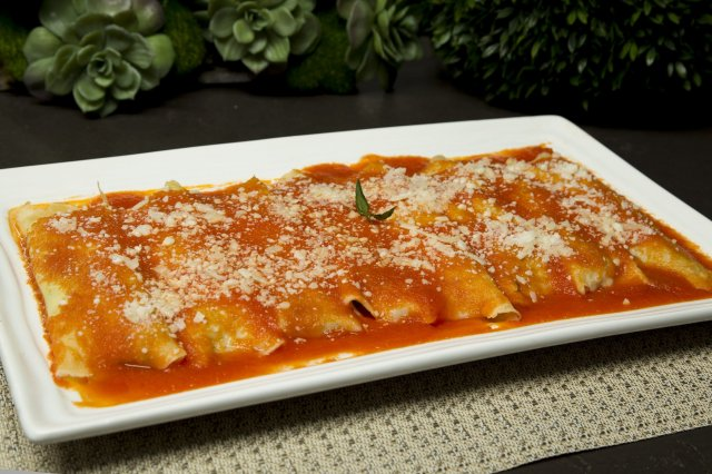 Ricotta cannelloni with spinach