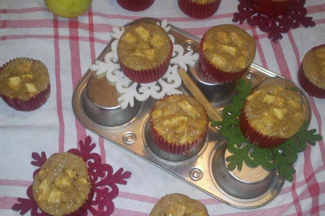 Cinnamon Apple Muffin with spices