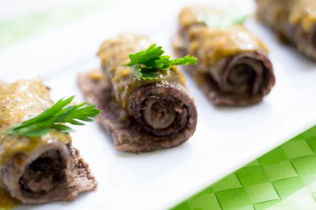 Escalopinas of Veal with Lemon