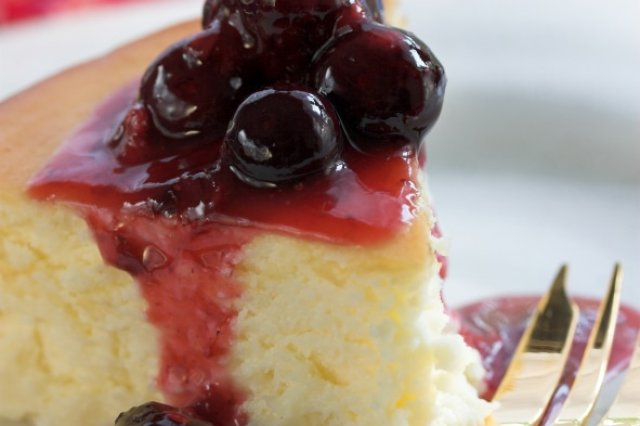 Cake with Blackberry Sauce