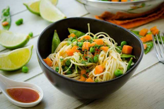 Soba noodles with pea with carrot La Huerta ®