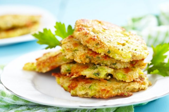 Broccoli Pancakes with Cheddar Cheese and Quinoa