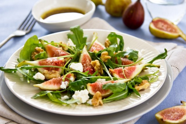 Salad of Figs and Goat Cheese