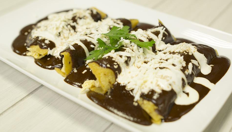 Receta de Enchiladas de Mole Rellenas
