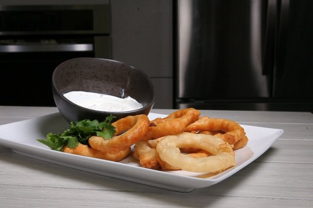 Onion rings Weathered with Tequila and Yoghurt Dip Total Fage 0%