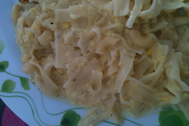 Pasta with pepper cream