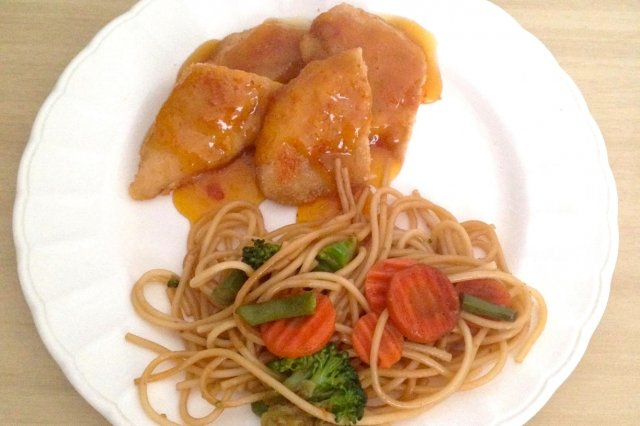 Simple Chicken to the Orange with Pasta Oriental style