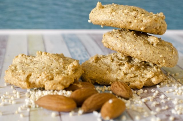 Almond and Amaranth cookies