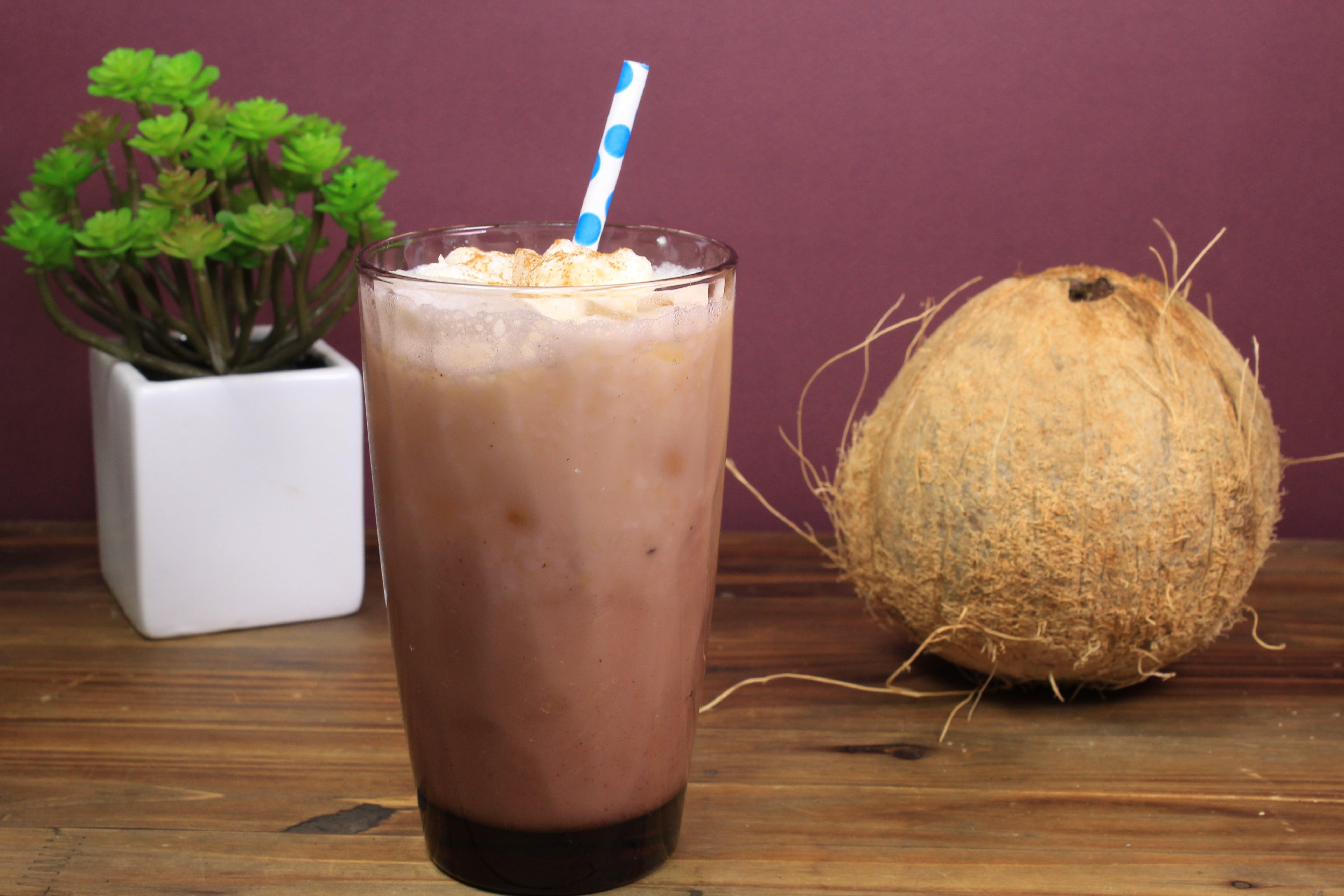 Calorias de un litro de agua de coco
