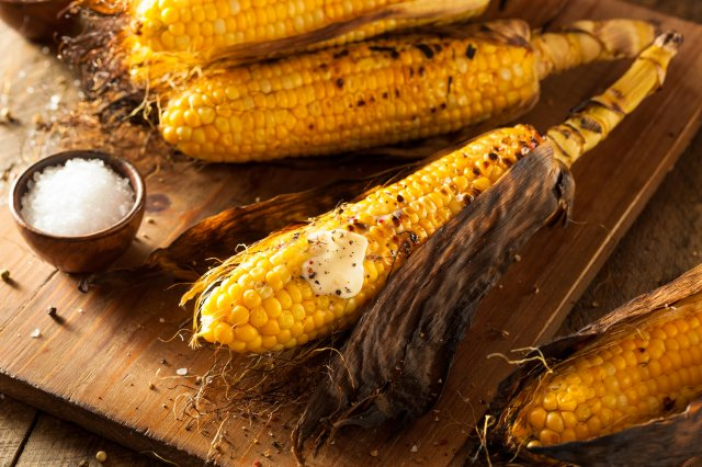 Grilled Corn in its Shell