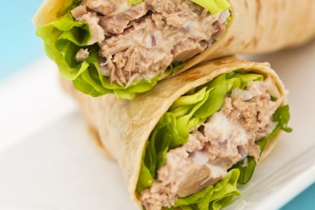 Tuna Burritos in Water with Light Cream and Italian Lettuce.