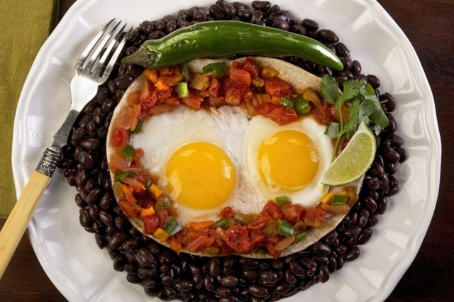 Starred Eggs with Pico de Gallo and Black Beans from the Pot